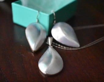 Polished shell earings
