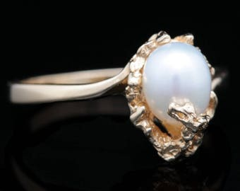 Vintage 14K Yellow Gold and Fresh Water Pearl Ring