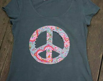 """beaded fancy Green T-Shirt """"Peace"""" for ladies or young fashion"""