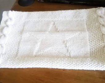 WHITE STAR BABY BLANKET CABLE AND MOSS STITCH