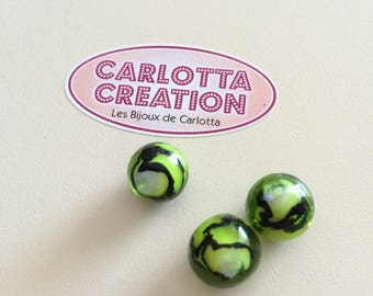 Set of 3 green and black glass beads