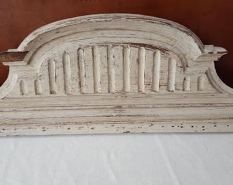 Gray weathered pediment Gustavian decor