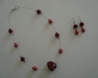 Simple jewelry set in shades of Red