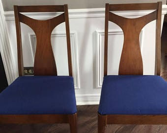 A Pair of Mid Century Dinning side chairs