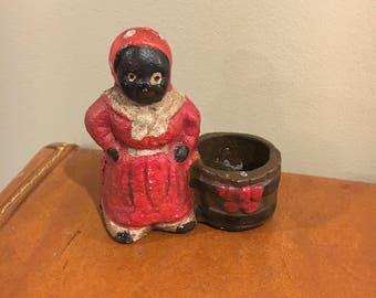Vintage cast iron mammy match holder