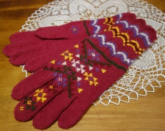 Free shipping! Hand knitted woolen gloves. National motif. Beautiful gift.