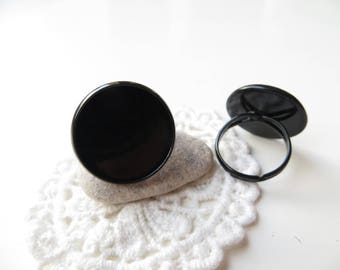 1 medium black 20mm cabochon ring