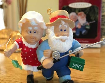 The Clauses on Vacation - Hallmark Keepsake Ornament- FIRST in Series - 1997