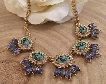 Beautiful gold tone vintage necklace with turquoise and blue stones