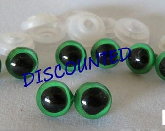 10mm Green Colored Round Safety Eyes with Black Pupils and washers - 8 count/ 4 pairs amigurumi/ doll making/ animal eyes/
