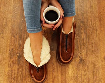 SHEEPSKIN slippers LEATHER slippers Fur slippers shearling shoes Men women moccasins sheepskin boots  fur boots valenki moccasin boots shoes