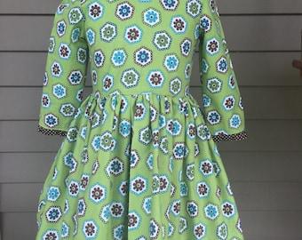 Little Girls Green BrownFlower Power Dress Size 6 RTS
