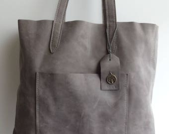 Nubuck Leather shoulder bag.
