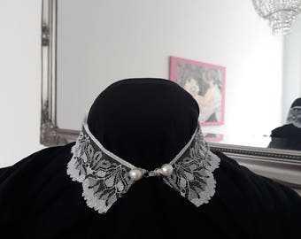 Bernhardt collar in white