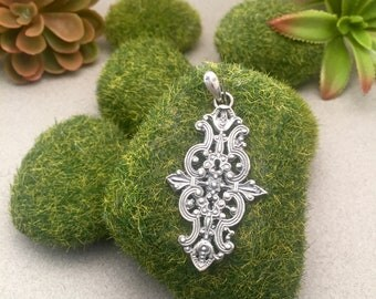 Cast pendant in 925 Sterling Silver