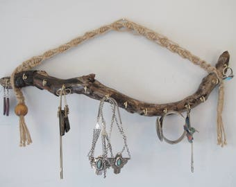 Driftwood jewelry hanger, key holder, ring tree or jewelry organizer