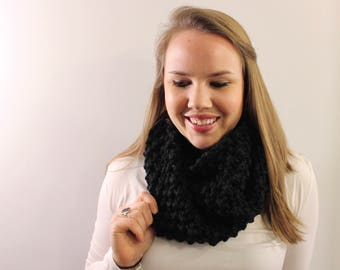 Knitted Infinity Scarf in Black {Wool Scarf, Chunky Knit Scarf, Black Scarf}