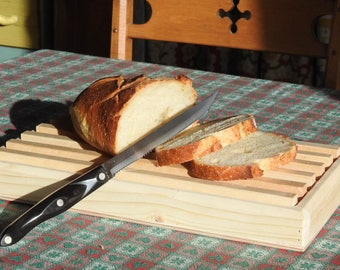 Natural Wood Bread Cutting Board With Crumb Catcher