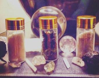 Choose from Sacred Salt, Cascarilla, or Herbal Incense blend.        .50oz