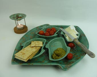 Tapasset with 4 small bowls or 2 large and 1 small bowl variable