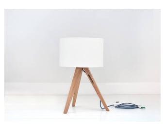 Small tripod lamp | handmade, oak