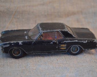 Charmant Corgi Toys Buick Riviera , Dans Le Jus,