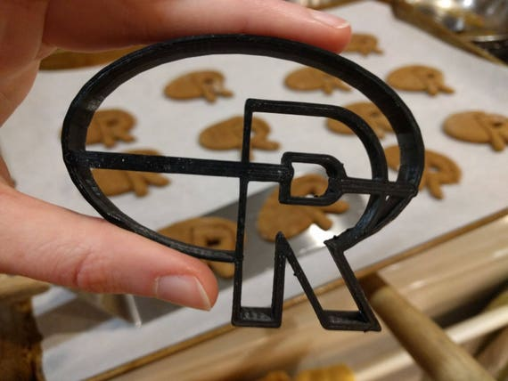 Bake R cookies with this cookie cutter