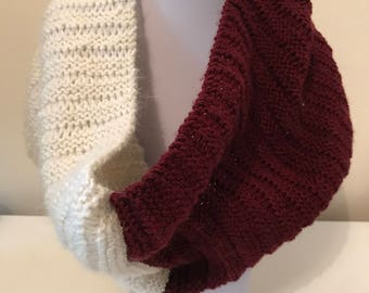 Way Festive - Red and Cream Snood