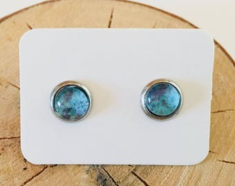 Blue earth stud earrings