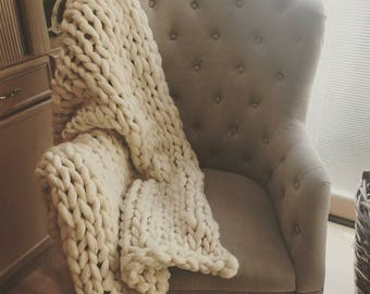"""Super Chunky Merino Wool Blanket, 48"""" x 60"""" Natural color"""