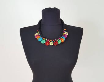 Hand-knit Crochet Necklace: Gipsy