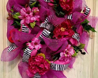 Valentine wreath,Valentines wreath,Valentine's wreath,Deco mesh wreath,heart-shaped wreath,zebra print wreath,holiday wreath