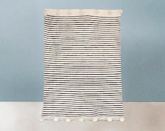 Wool Pom pon blanket - Manta de pompones de lana