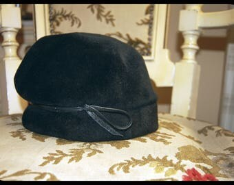 Soft Black Hat with Leather Band, Vintage / Retro, 30s