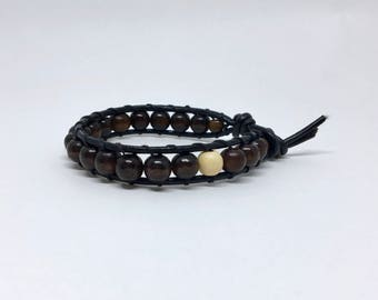 Bracelet cords of leather and wood 8mm beads