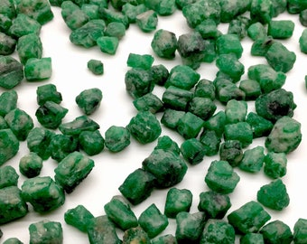 1284 Carates Very Beautiful Big Size Rough Grade Emerald Lot From Pakistan Swat.