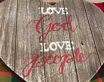 Love God, Love People Decor