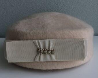 Ivory Vintage Pillbox Hat