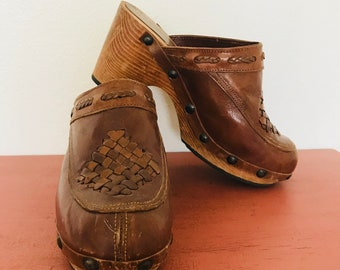 70s Genuine Leather wooden clogs