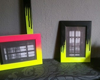Picture frame neon Yellow black UV