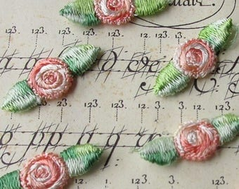 24 Venise Rosebud Appliques In Shades Of Peach