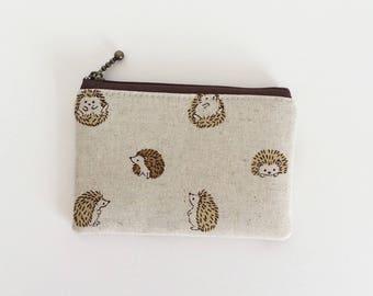 mini zipper pouch  - round hedgehog in natural