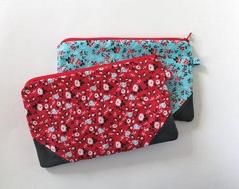 zipper pouch, cash envelope, Eyeglass case, Pen pencil, cash wallet, Cosmetic makeup case, Vintage bag, sunglasses case, pink blue floral