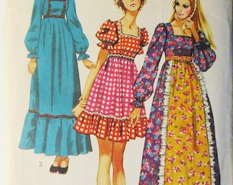 1970s Vintage Sewing Pattern Simplicity 9486 Misses Dress Pattern Size 10 Bust 32 1/2