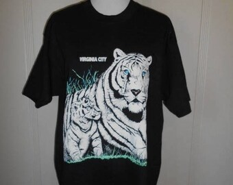 Closing Shop 40%off SALE Vintage 80s 90s shirt tee t shirt  White Tiger wild life animals big cat      Virginia City  Nevada
