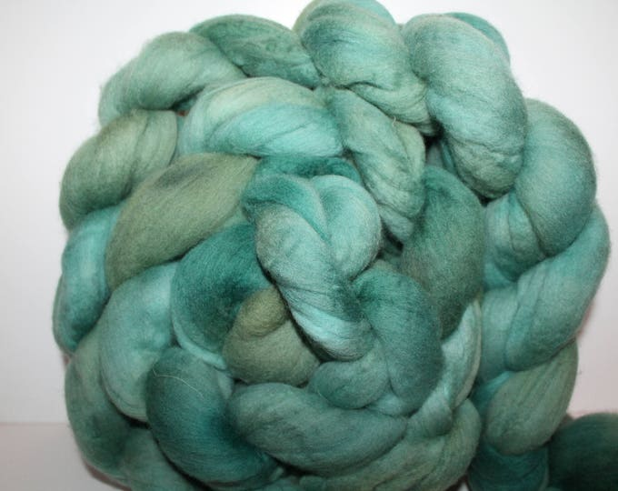 Kettle Dyed Merino Wool Top. Super fine. 19 micron  Soft and easy to spin. Huge 1lb Braid. Spin. Felt. Roving. M324