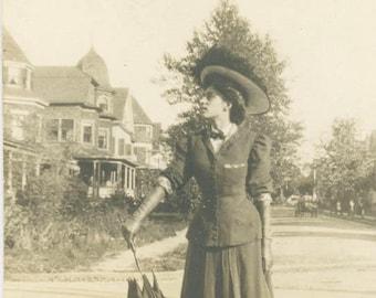vintage photo 1906 Edwardian YOung Woman Umbrella Strikes Pose Road Monticello NY