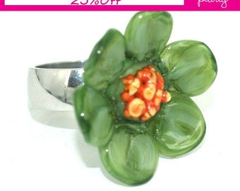 Pearly Green Flower Ring - Lampwork Jewelry - Lampwork Ring - Glass Bead Jewelry - Glass Bead Ring - Modern Jewelry - Floral Ring