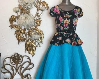1950s skirt circle skirt turquoise skirt size small vintage skirt 25 waist quilted skirt cotton skirt full skirt with pockets