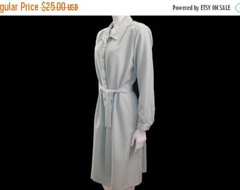 Summer Sale Vintage Pale Sea Foam Green Dress // Knee Length Shirt Dress // Westside Clothing Co Dress//Button Down Front Dress// Size S//13